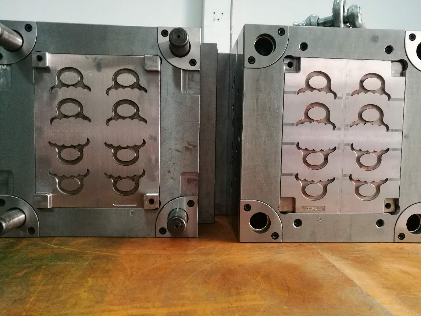 LSR teether handle mould 1